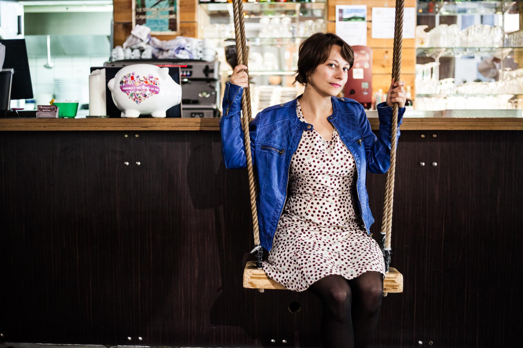 Lyly Chartiez est comédienne dans le Nord. Elle a participé à une pièce de théâtre qui s'inspire des travaux des sociologues Michel Pinçon et  Monique Pinçon - Charlot. Publié dans L'Humanité