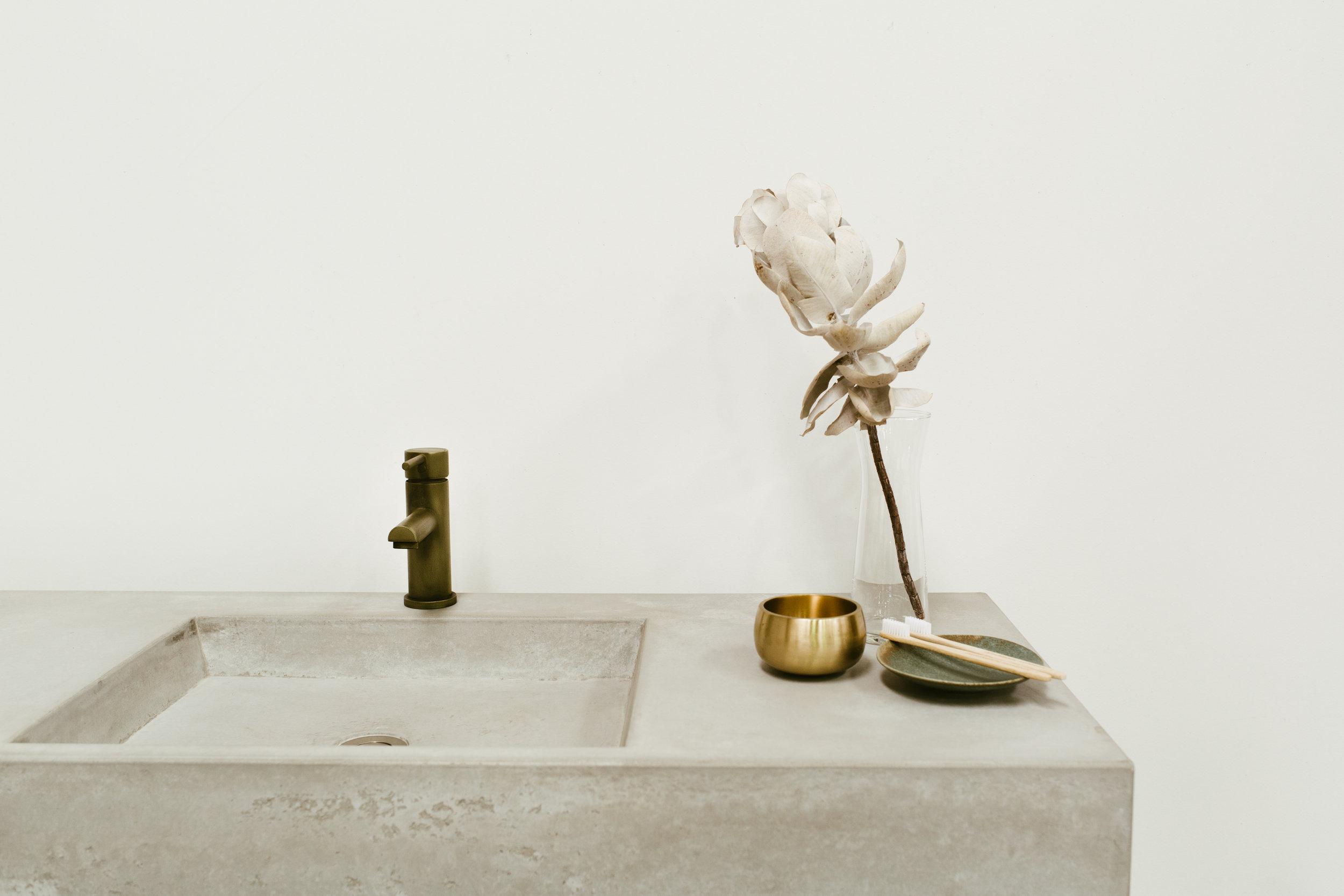 Rae Fallon - Concrete Studio-5677.jpg