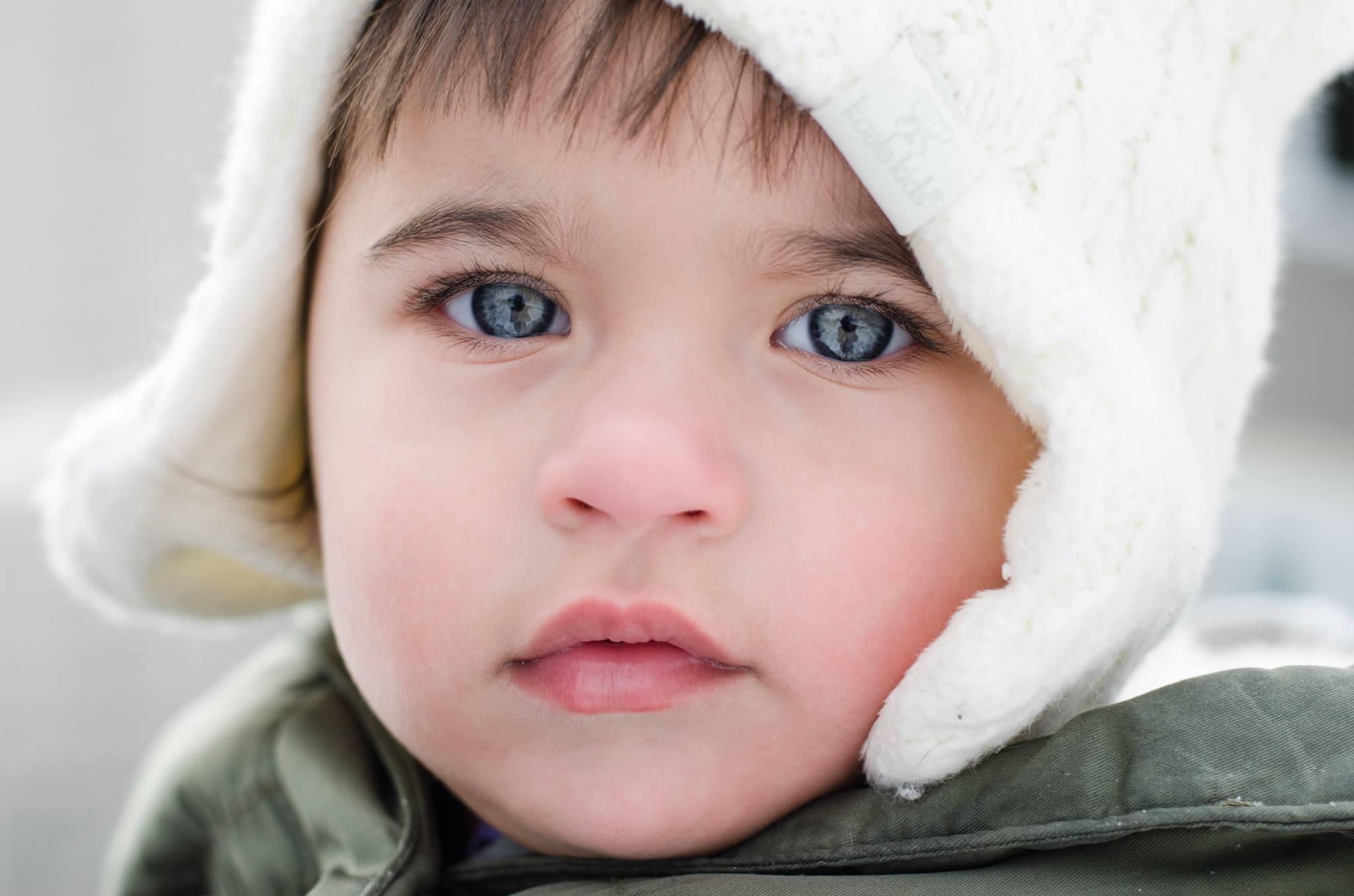 child white hat.jpg