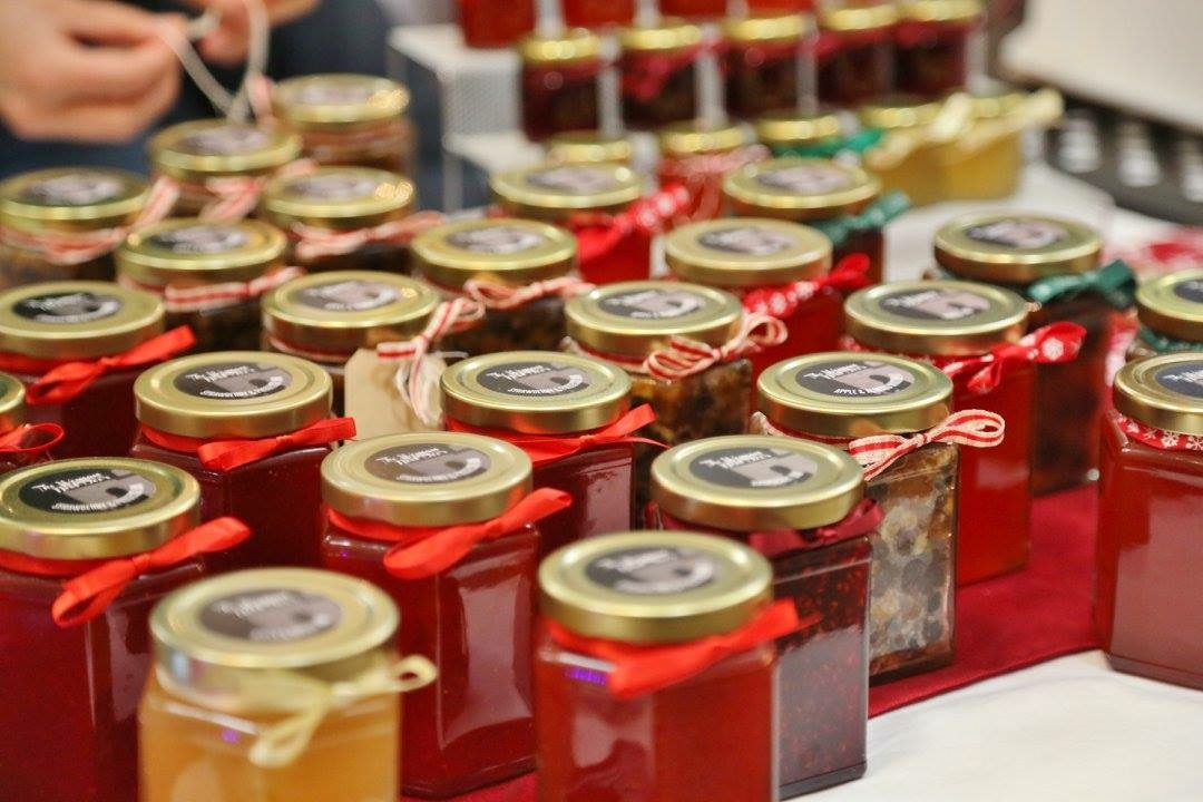 A wide range of jams & chutneys available.
