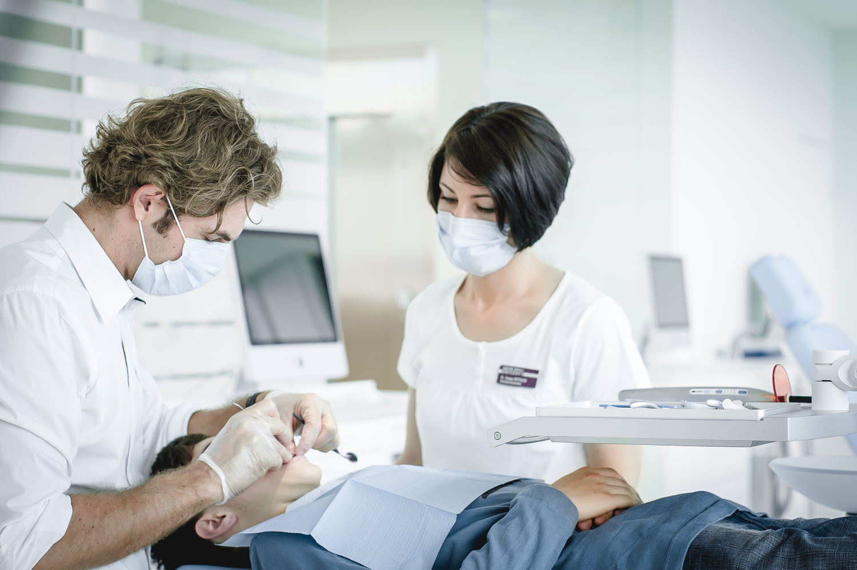 Orthodontics-Lakeside-Kieferortho-Waedenswil-Zurich-Braces-Invisalign-Dental-Office-Dr-Med-Dentist-English-Treatment-3150.jpg