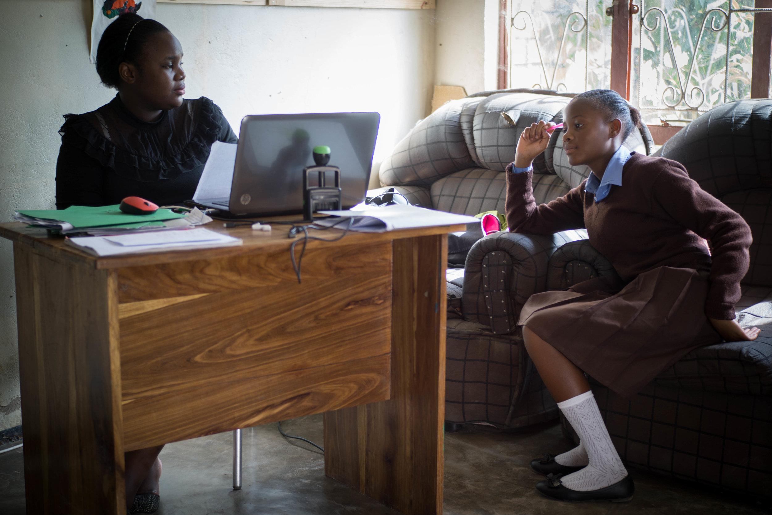 Lumuno councils a student.
