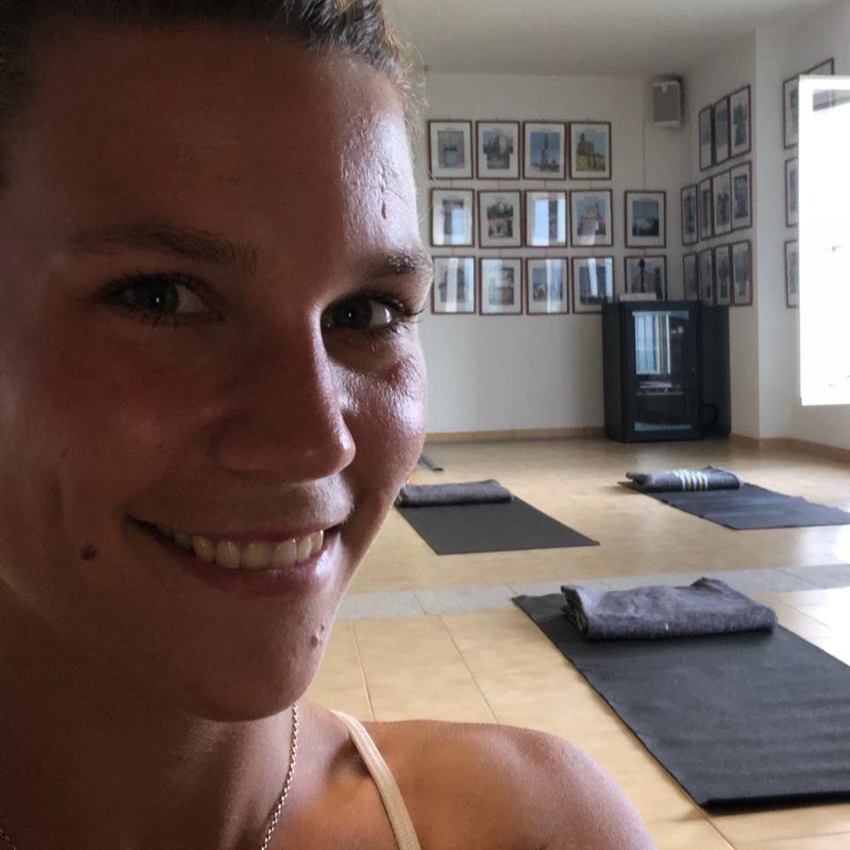 yoga%2Bmombarcaro
