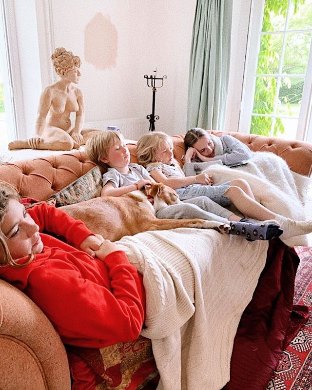 "A pile of grandchildren & dogs, bank holiday perfection! 🥰 (Excuse the state of undress, we're decorating & Rosebud is trying to convince me to paint the drawing room ""setting plaster"" pink 🤔)"