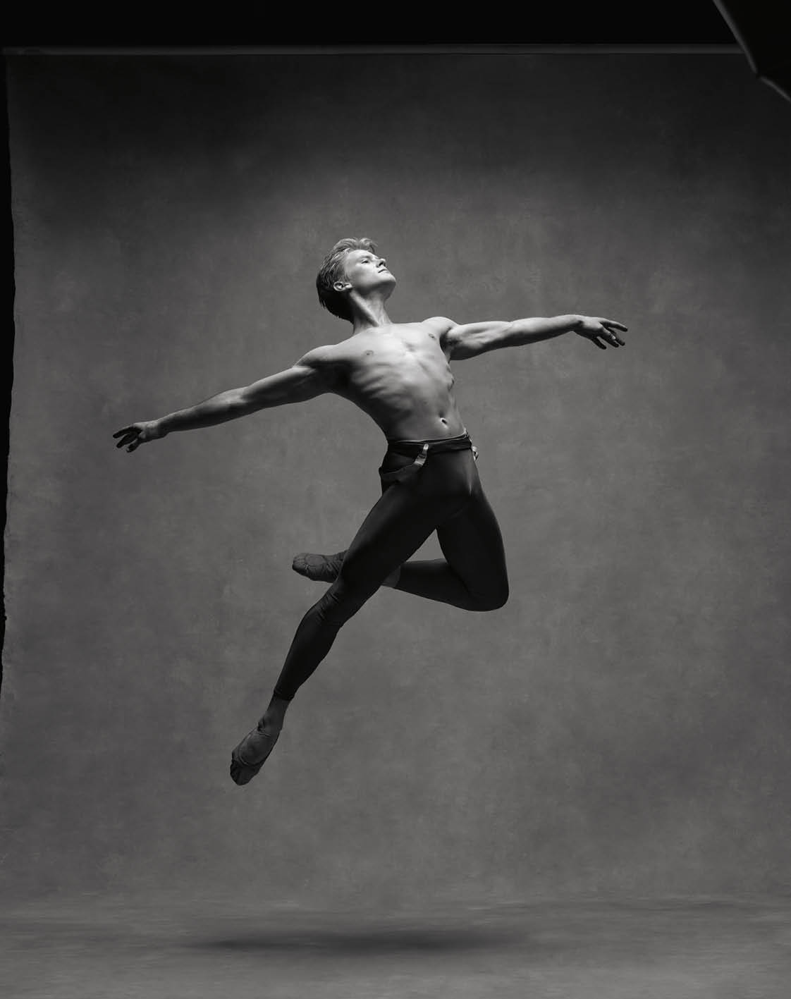 Chase Finlay © Ken Browar and Deborah Ory · www.nycdanceproject.com.