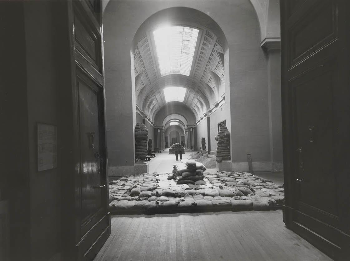 Galería Central durante la Guerra Civil.
