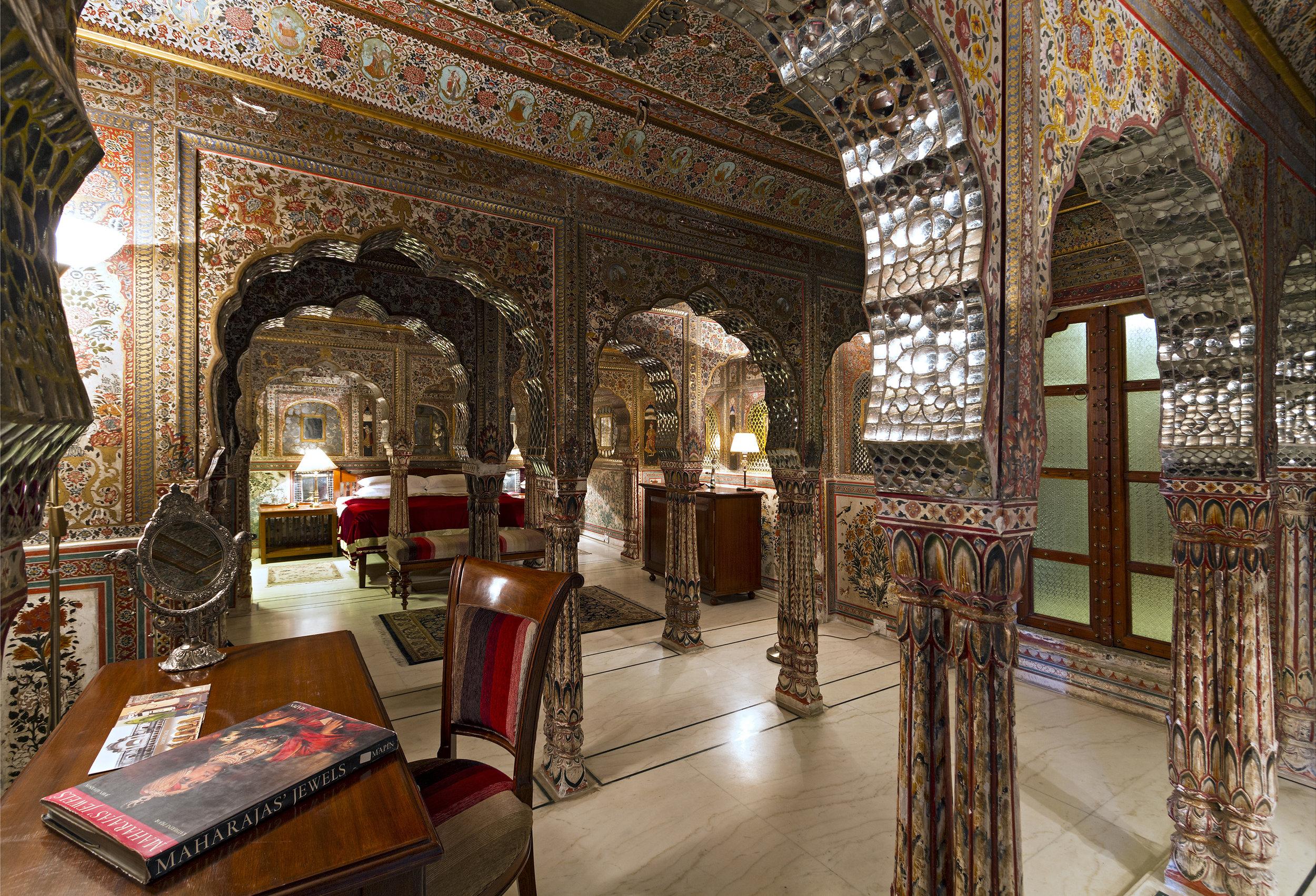 25. Sheesh Mahal Suite.jpg