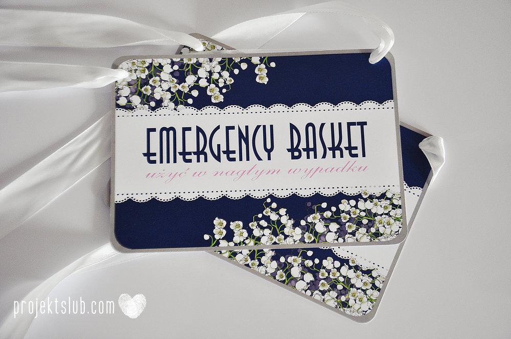 Zaproszenia+ślubne+z+motywem+kwiatów+białe+kwiaty+konwalie+biel+granat+Projekt+Ślub+(14).jpg