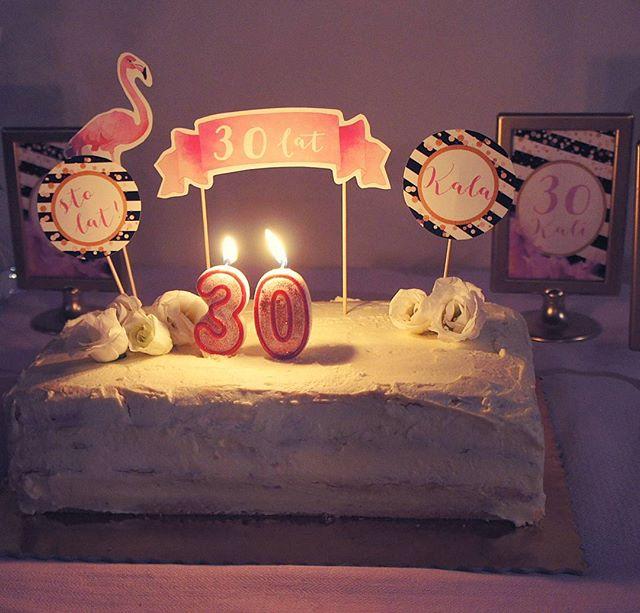 30-stka pod znakiem flaminga 😁 🎂🍰🍾🍸🍷🍹🎂🏵🌹#przyjecieurodzinowe #urodziny #30stka #dekoracjenaprzyjecie #projektprzyjecie