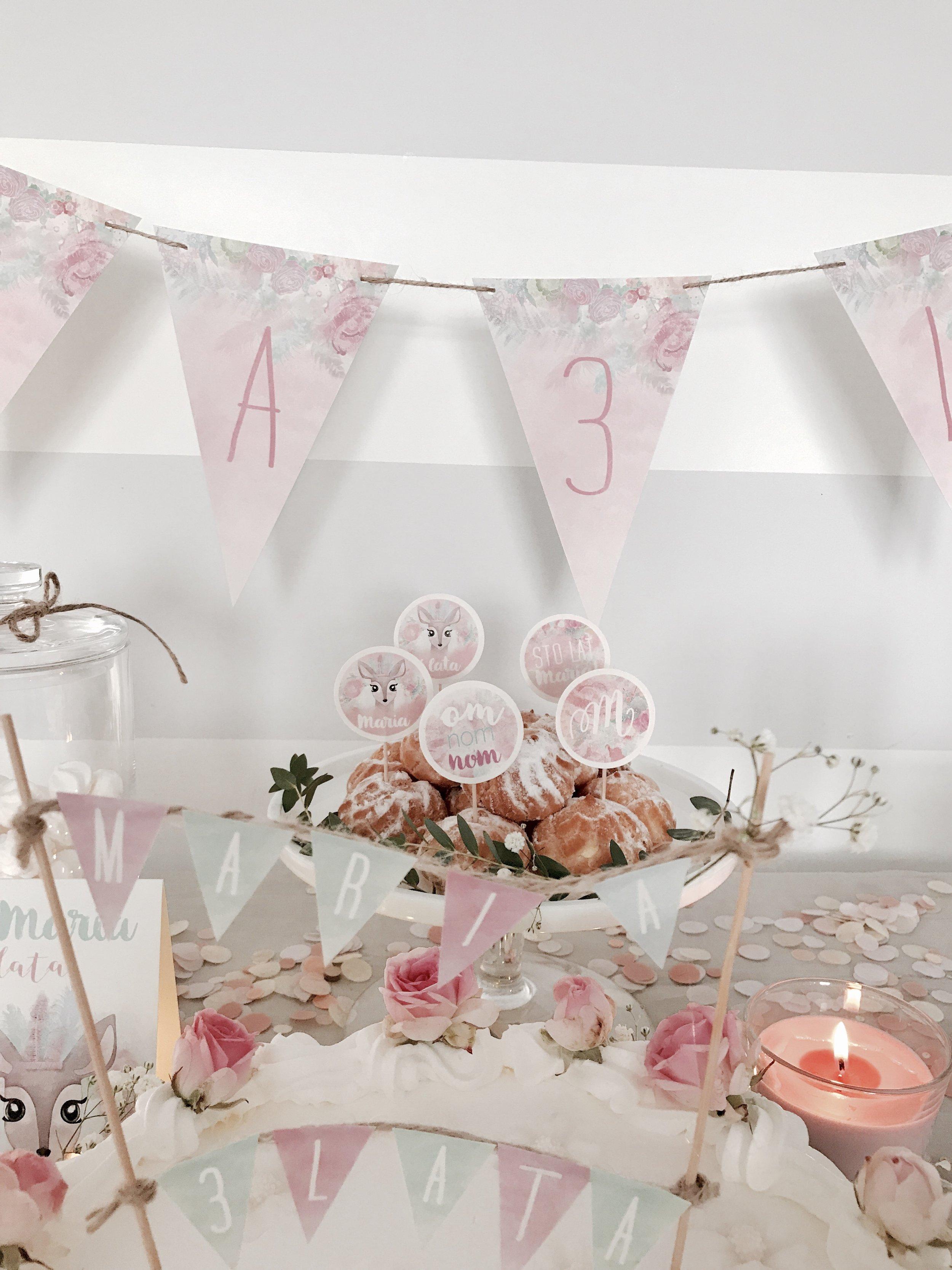 projekt-przyjecie-dekoracje-urodzinowe-papeteria-okolicznosciowa-personalizowana-boho-rustykalne-piki-girlanda-tabliczki-kwiaty-dla-dziewczynki (12).JPG