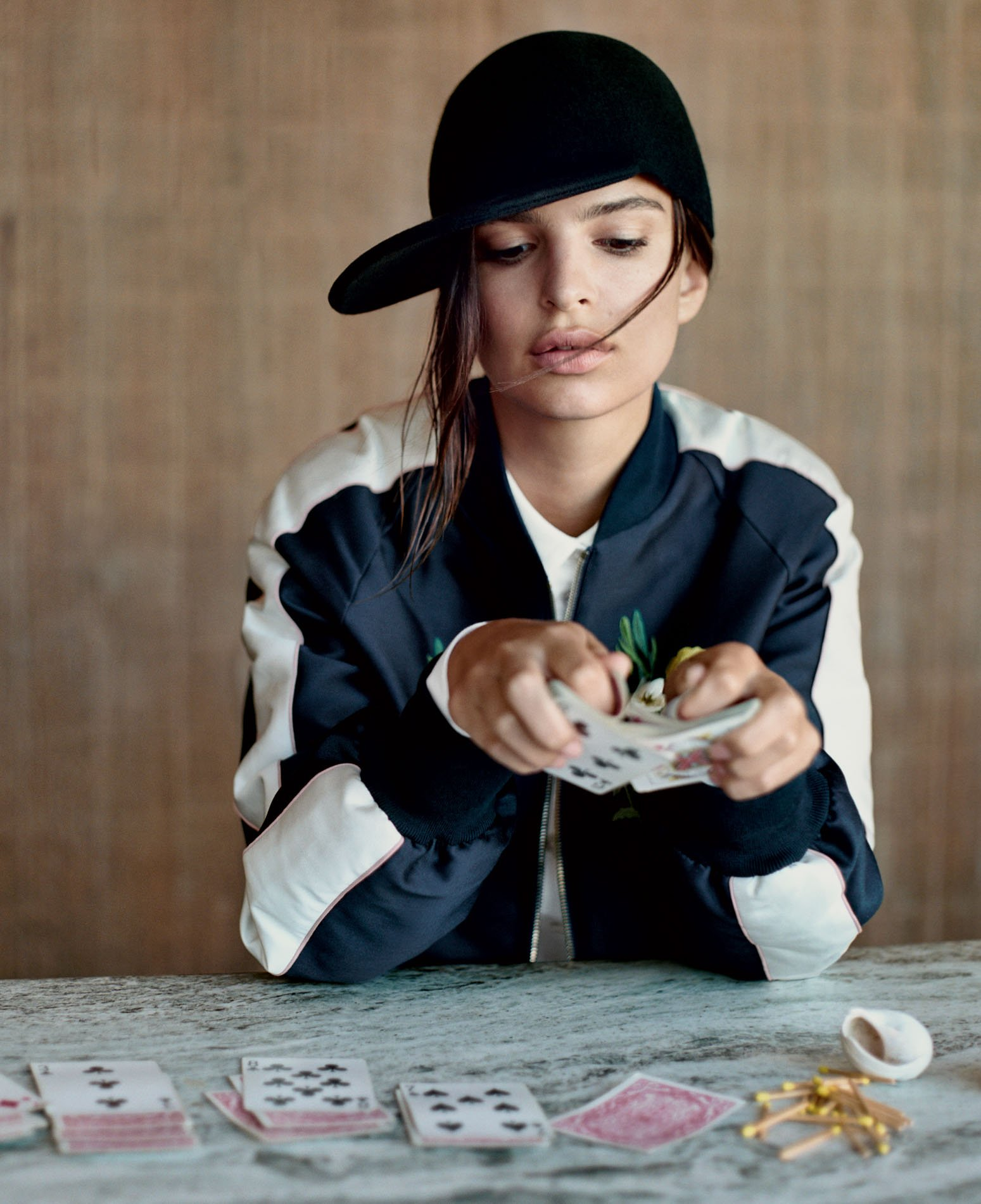 emily-ratajkowski-fall-fashion-hats-06.jpg