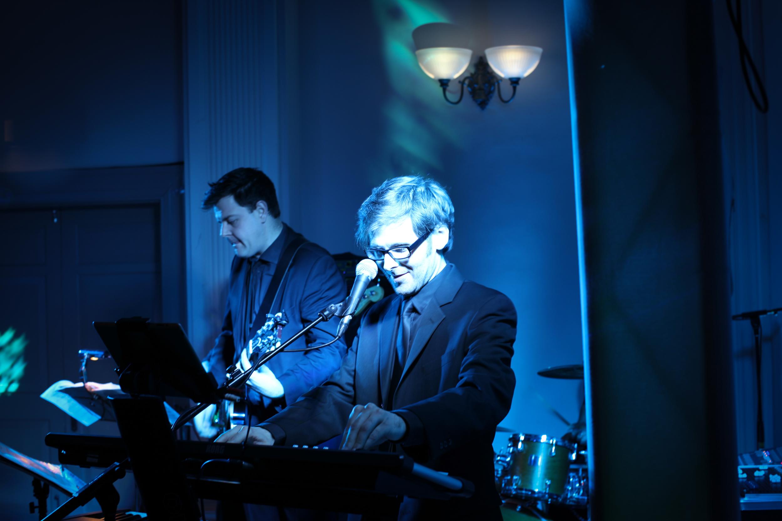 Scott Bramley Singer Pianist with ENTOURAGE Wedding Band