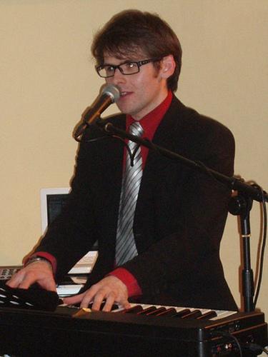 Scott Bramley Singer Pianist February 2009