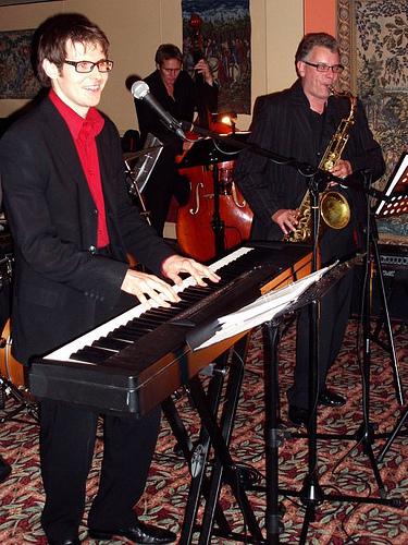 Scott Bramley Singer Pianist August 2008