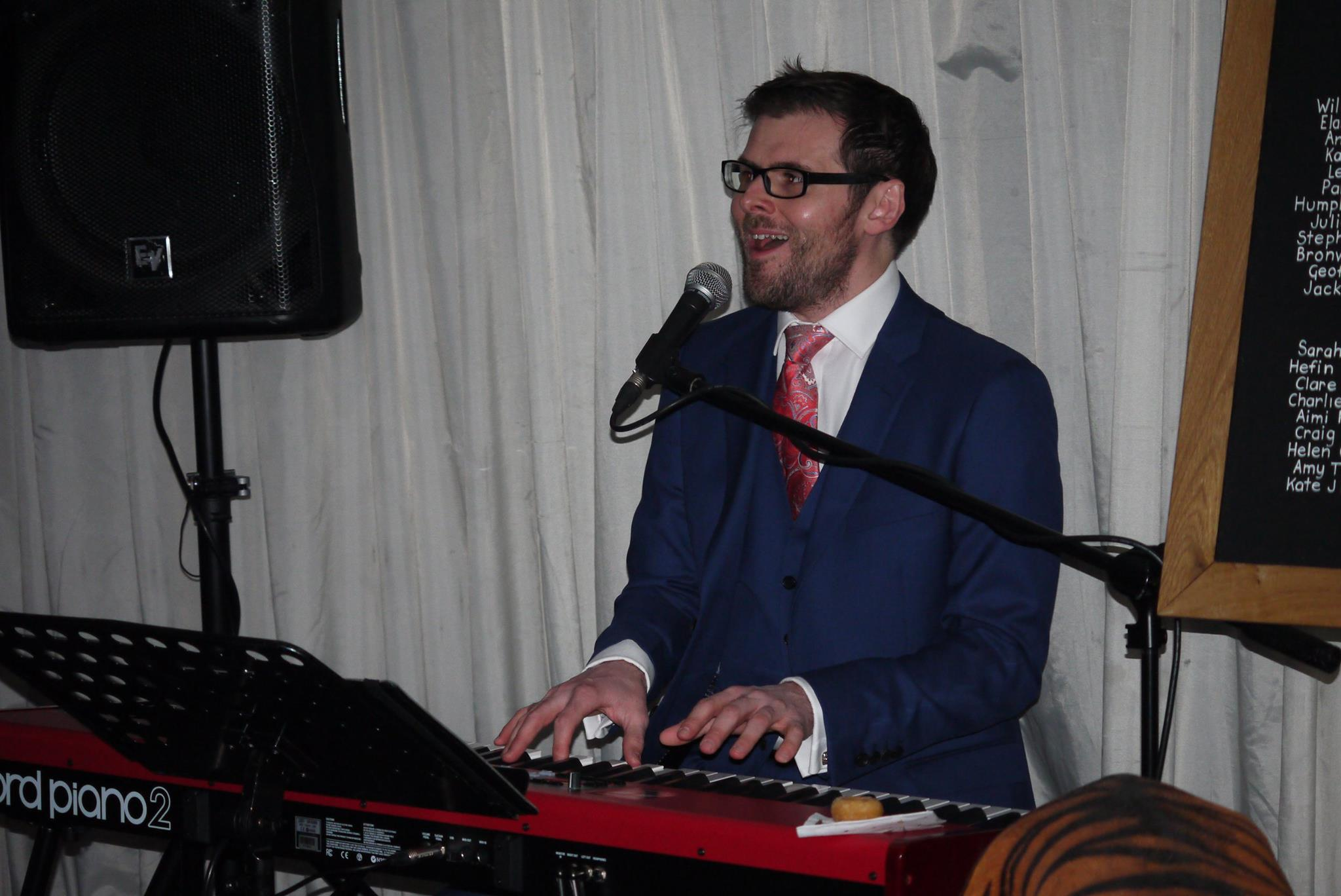 Scott Bramley Singer Pianist December 2016