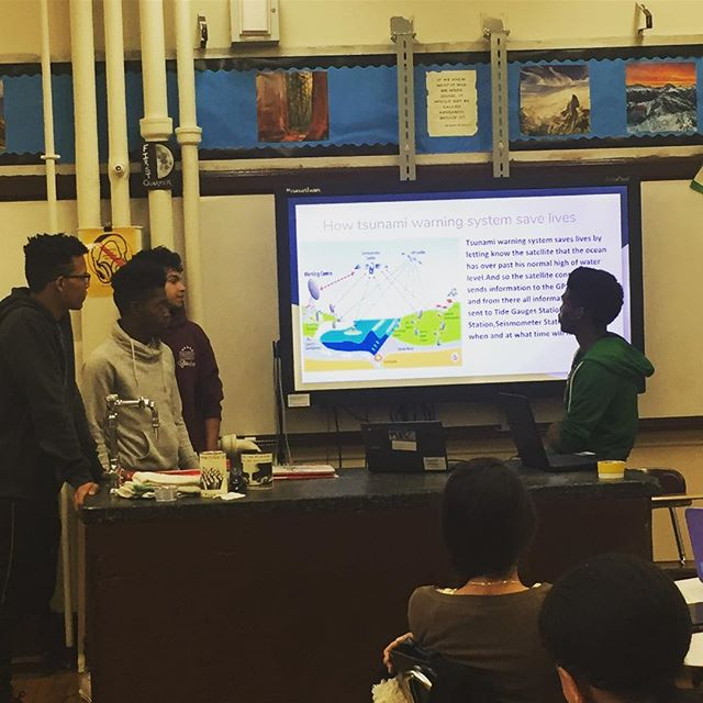 Students share their learning with classmates and MC visitors. 👏🏼👏🏼#masterynyc