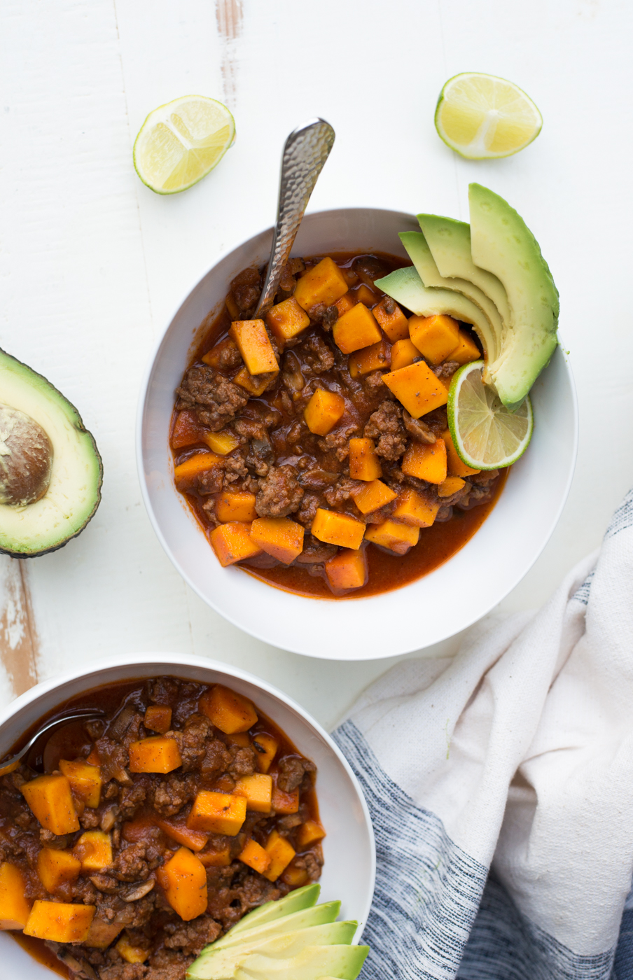 30-Minute Beef & Butternut Paleo Chili (+ Vegetarian Option) whole30 compliant