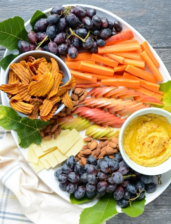Read on for the best healthy, easy Thanksgiving recipes around.   Plus they're all gluten-free, dairy-free, and refined sugar-free, yet still totally doable and delicious. #realfoodwholelife #realfoodwholeliferecipe #recipe #dinner #paleo #paleorecipe #glutenfree #grainfree #dairyfree #healthy #healthyrecipe #easyrecipe #quickrecipe #thanksgiving #healthythanksgiving #fallrecipe