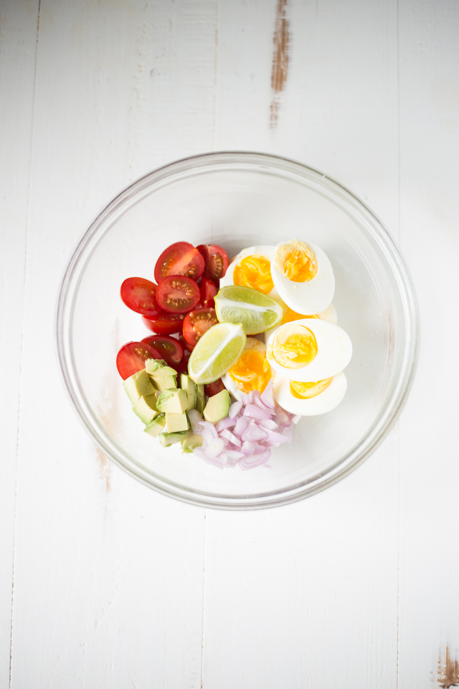 We're all about simplified meal prep around here, so today we're sharing prep ahead, easy, healthy egg salad recipes. #realfoodwholelife #realfoodwholeliferecipe #glutenfree #glutenfreerecipe #dairyfree #dairyfreerecipe #healthy #healthyrecipe #easyrecipe #quickrecipe #cleaneating #eggsalad #mayofree #mealprep