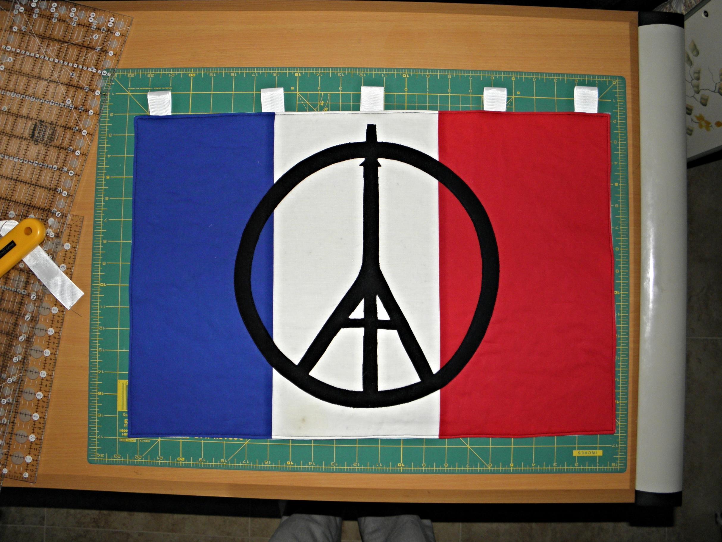 Bobby's Quilt & Paris Hanging 025.JPG