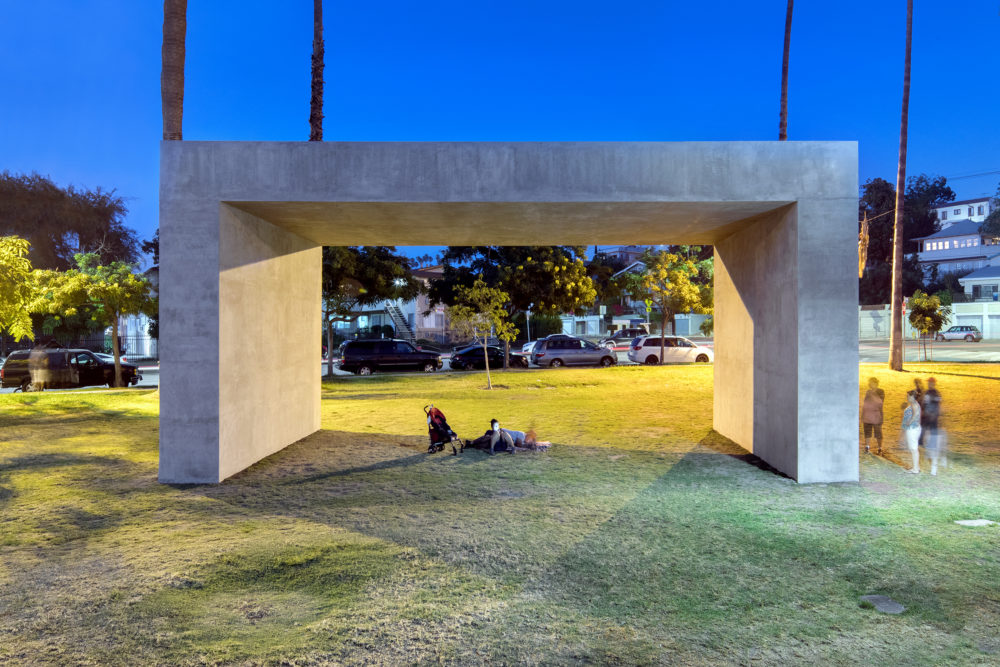 La Sombra, de Margolles: El Espectro de la Muerte en Los Ángeles