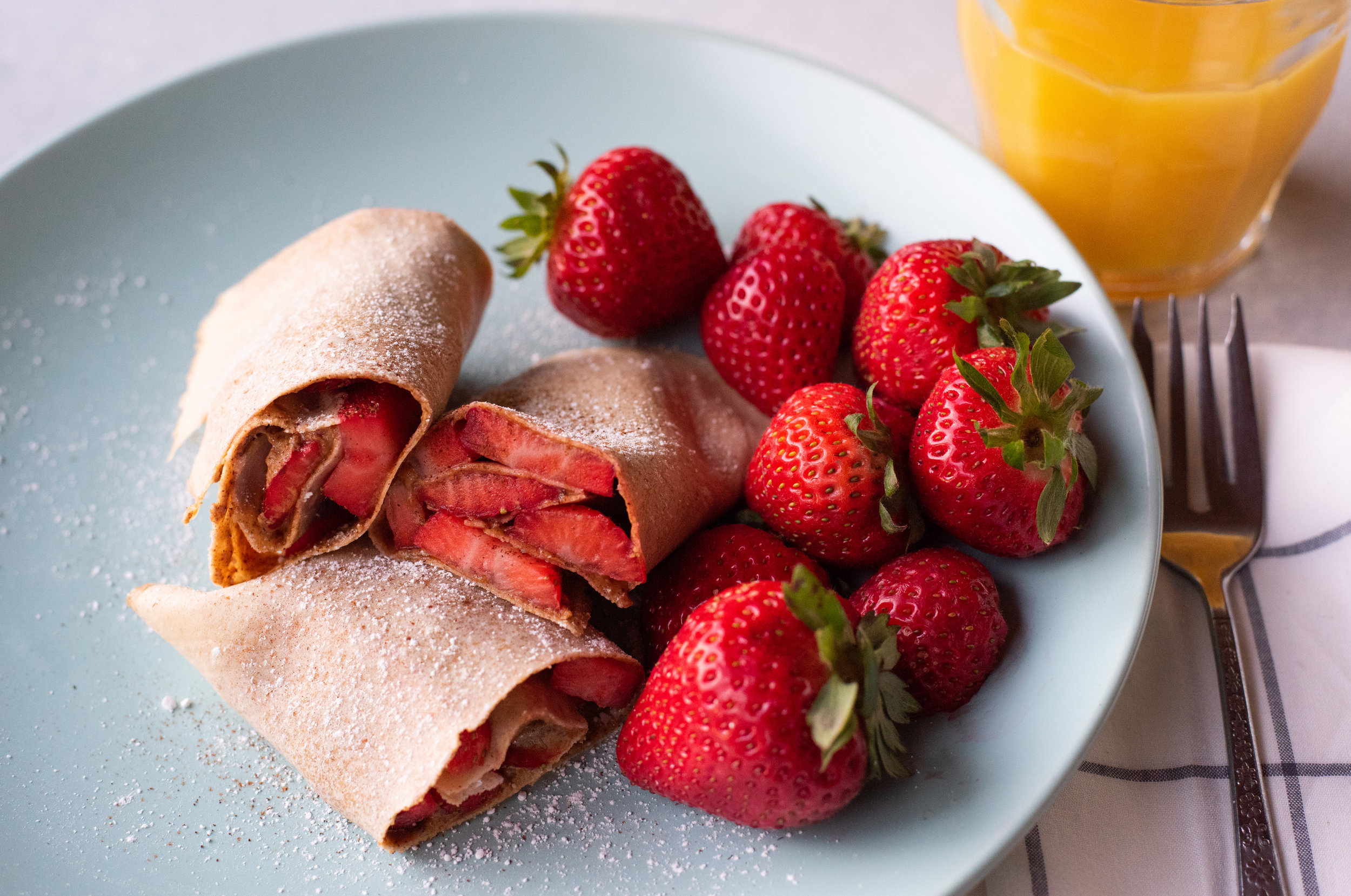 Easy Strawberry Almond Butter Crepe Roll Ups