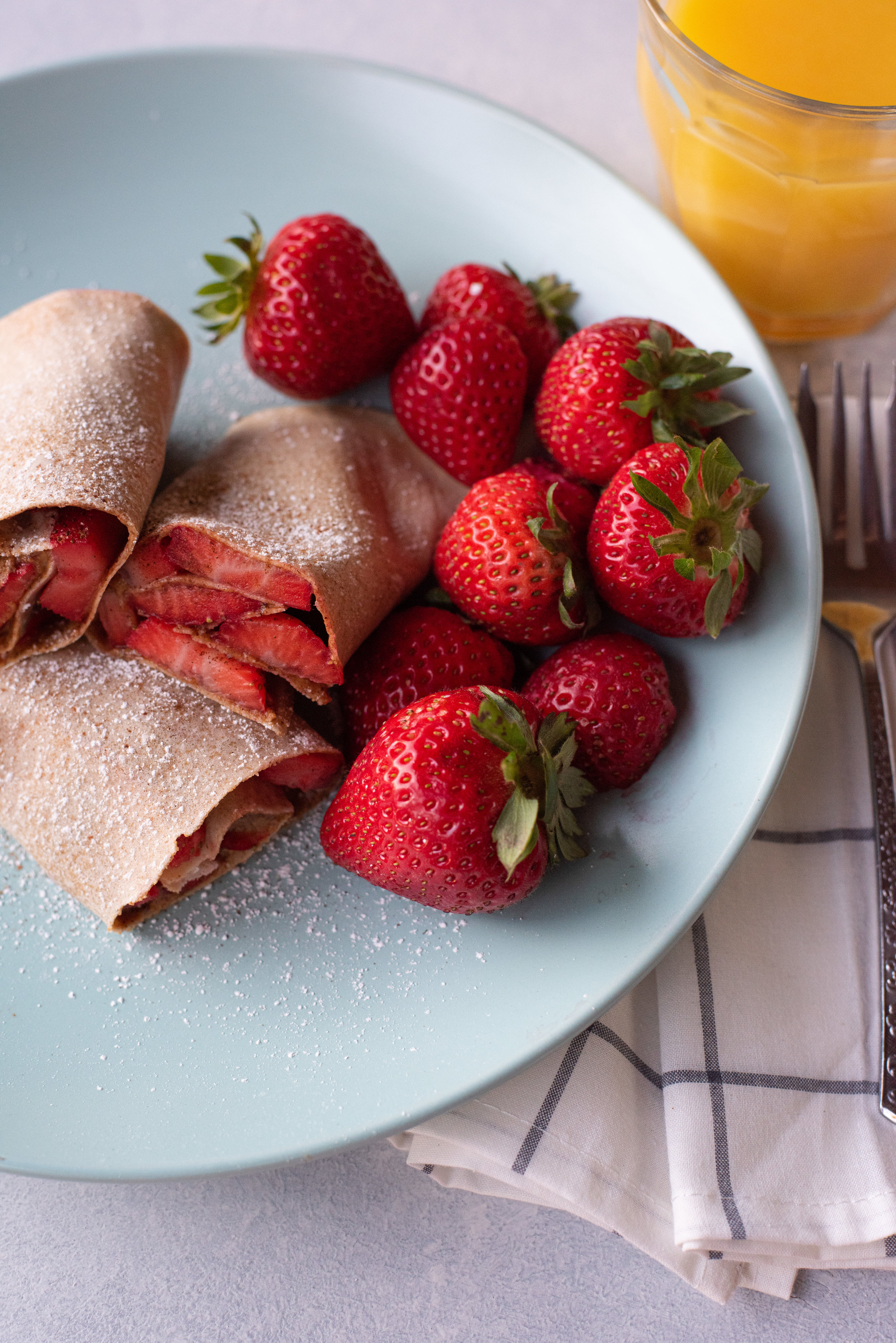Strawberry Almond Butter Roll Ups