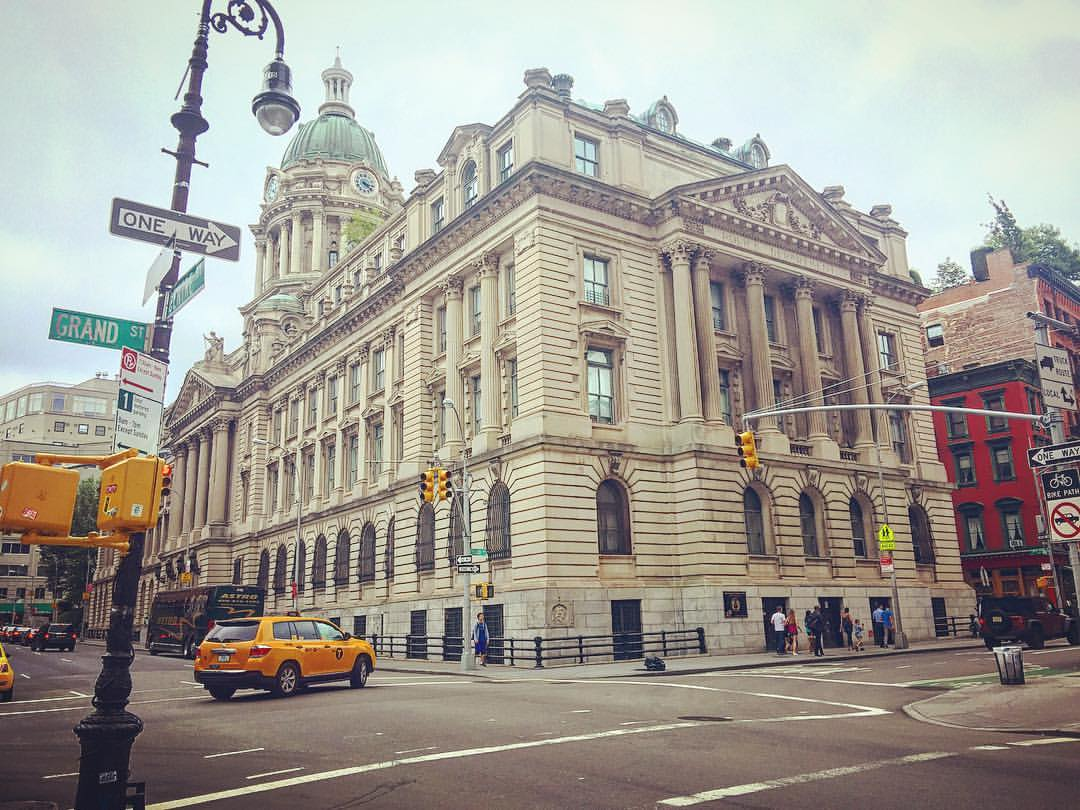One of the most sought-after, historic and beautiful addresses to live in, The Police Building in NoLita was built in 1905 as the NYC Police HQ, and converted to luxury condos in 1988. 👮🏽💎✨ ||  #nyc #nolita #soho #noho #littleitaly #downtown #manhattan #luxury #police #history #architecture #design #archilovers #inspo #realestate #openhouseny (at Little Italy in NYC)