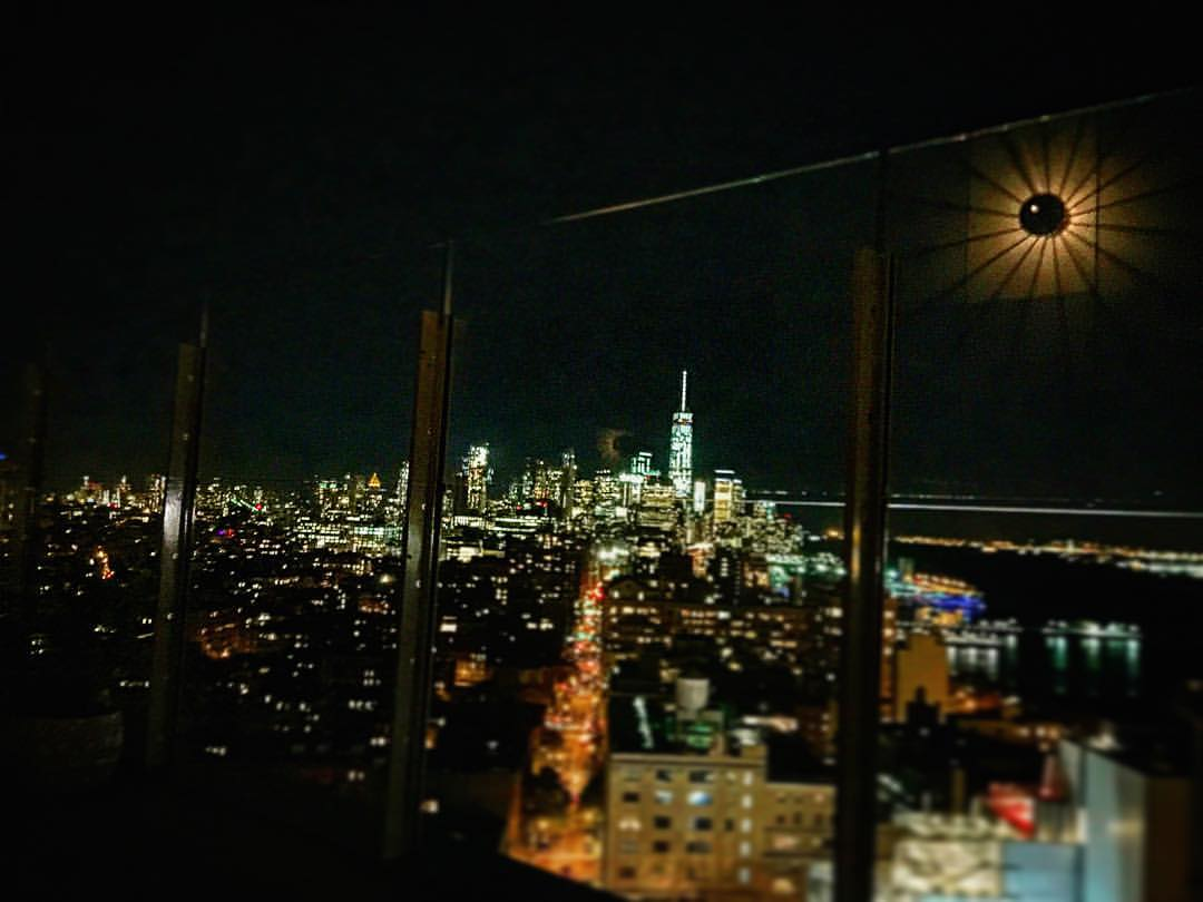 Starlight, star bright…. How I wish… for Friday every night!! ✨💫🔮🌟☄✨  ||  #nyc #stars #manhattan #skyline #friday #worldtradecenter #standard #northstar #starsigns #iloveny #jazz #downtown #highline #meatpacking #chelsea #westvillage #soho #openhouseny  (at Le Bain at The Standard, High Line)