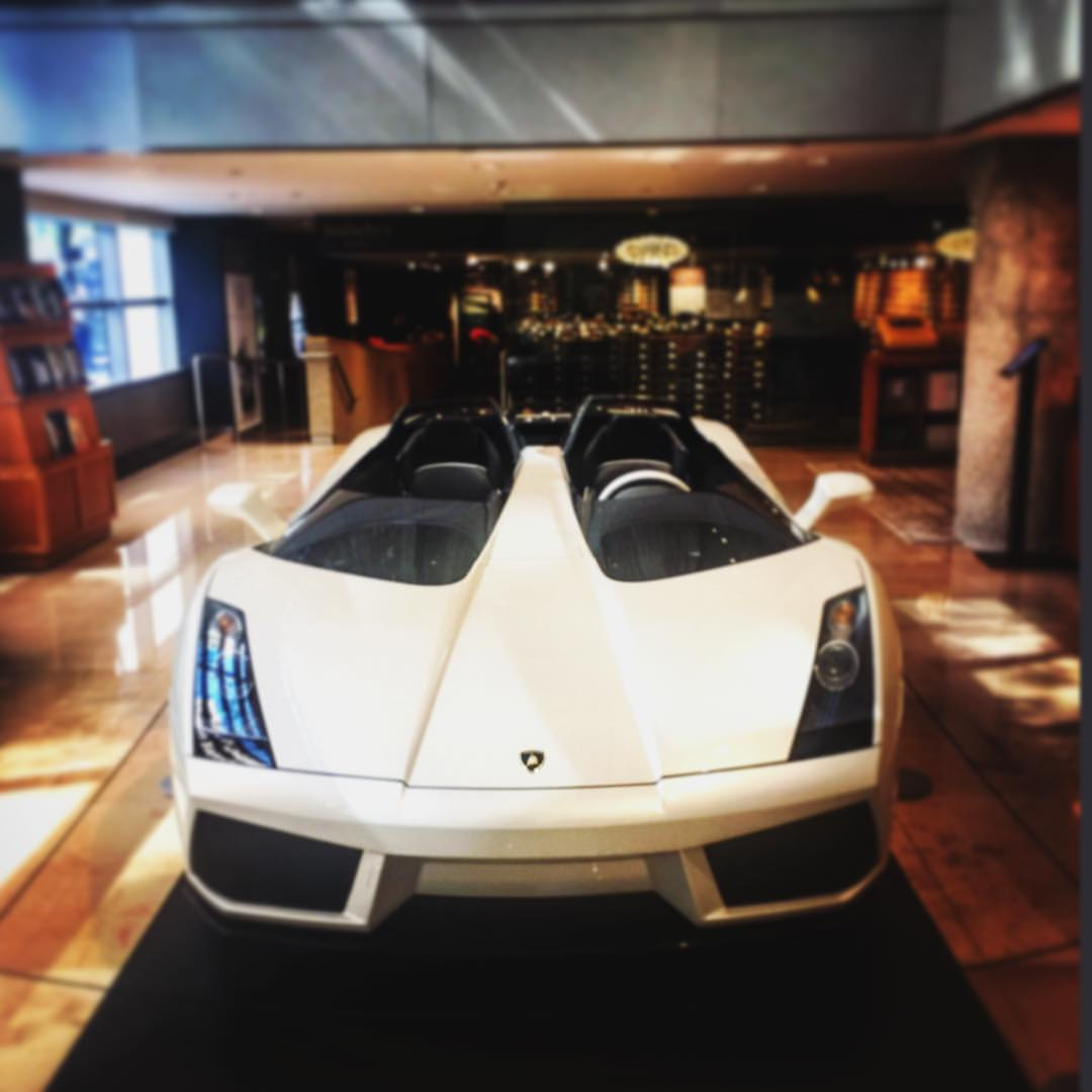 Next time we're not taking the subway  ||  😜🚙✈️  ||  #lambo #nyc #sothebys #auction #luxury #uptown #ues #fastcar #lamborghini #fancy #rare #want #openhouseny  ||  @sothebys  (at Sotheby's)