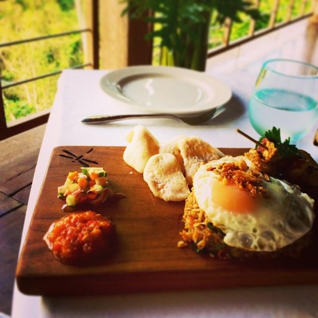 I'll be missing fried rice for breakfast 🍚🍳…. Until next time dear Bali! 🌸  #NasiGorem  (at chapung sebali, ubud, bali)