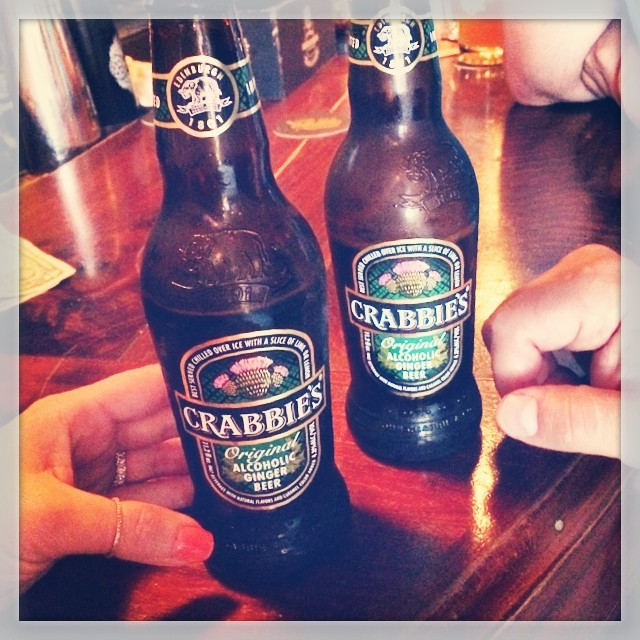 How am I just discovering this alcoholic ginger beer for the first time?!? 🍺👌💕 #crabbies  #gingerbeer (at Brass Monkey)