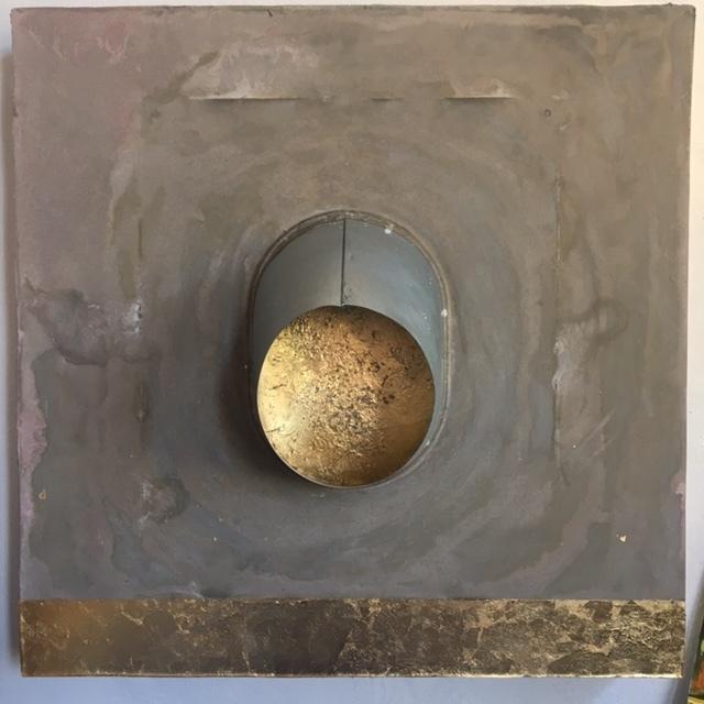 peephole gold