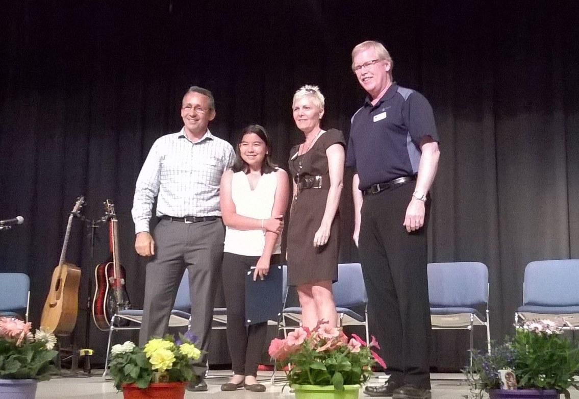 Environmental Youth Award: HSWS member, Maya Uno with City officials