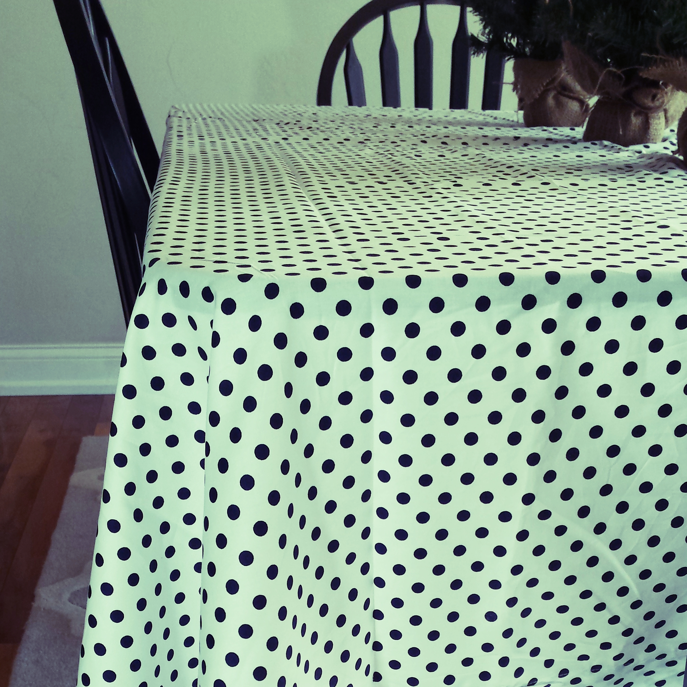 table cloth.jpg