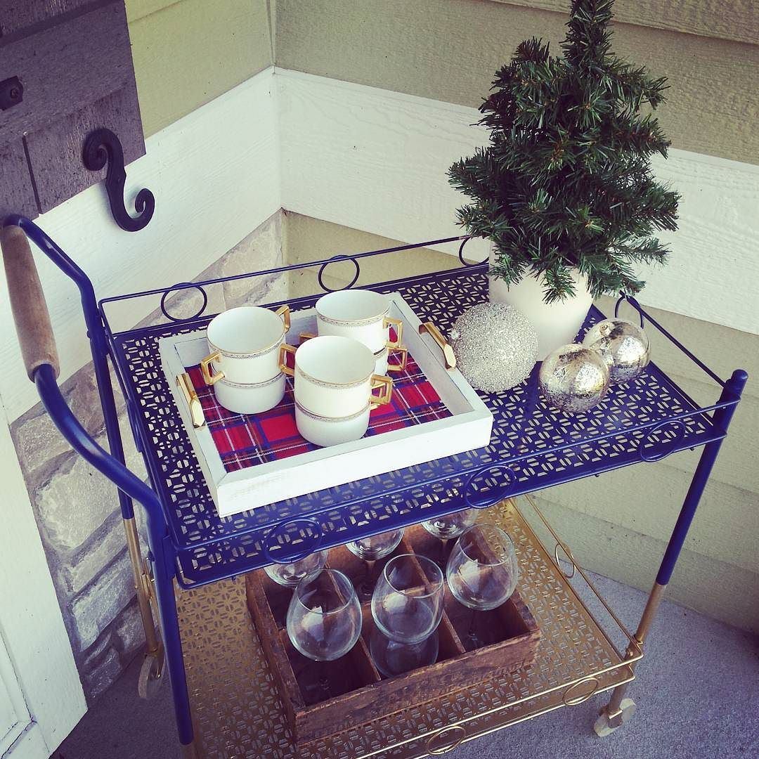 holiday bar cart.jpg