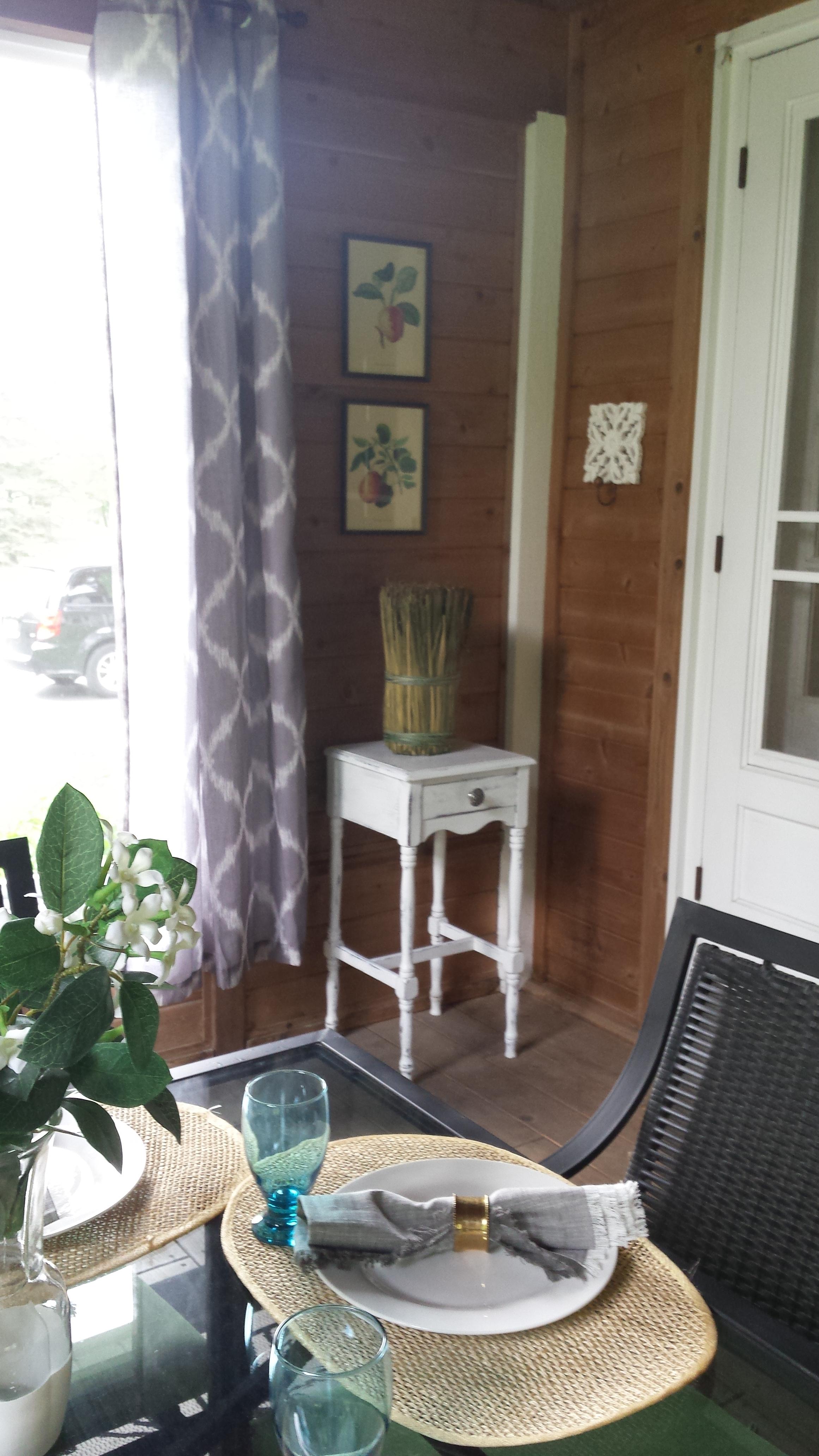 white table corner.jpg