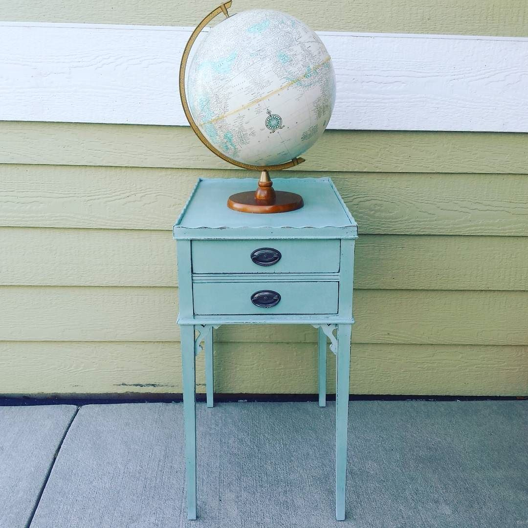 accent table for sale.jpg