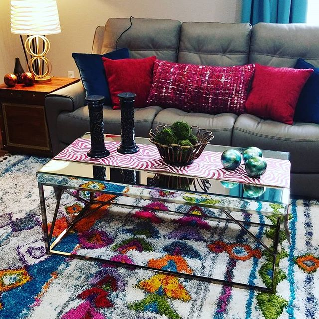Color pop galore!  This home owner LOVES color and bling. Hope she likes this!.jpg
