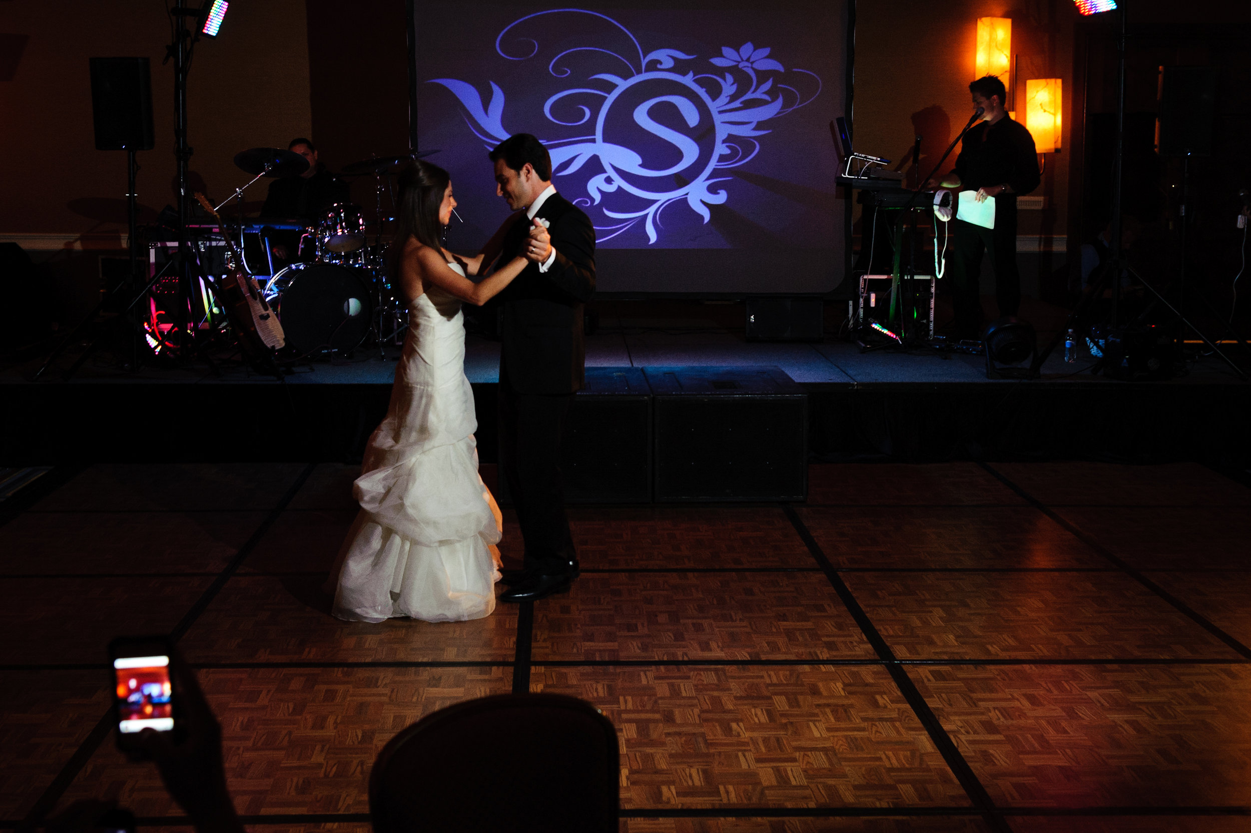 31 bride and groom first dance bride and groom on dance floor special moment with bride and groom Sergio Photography Life Design Events.JPG