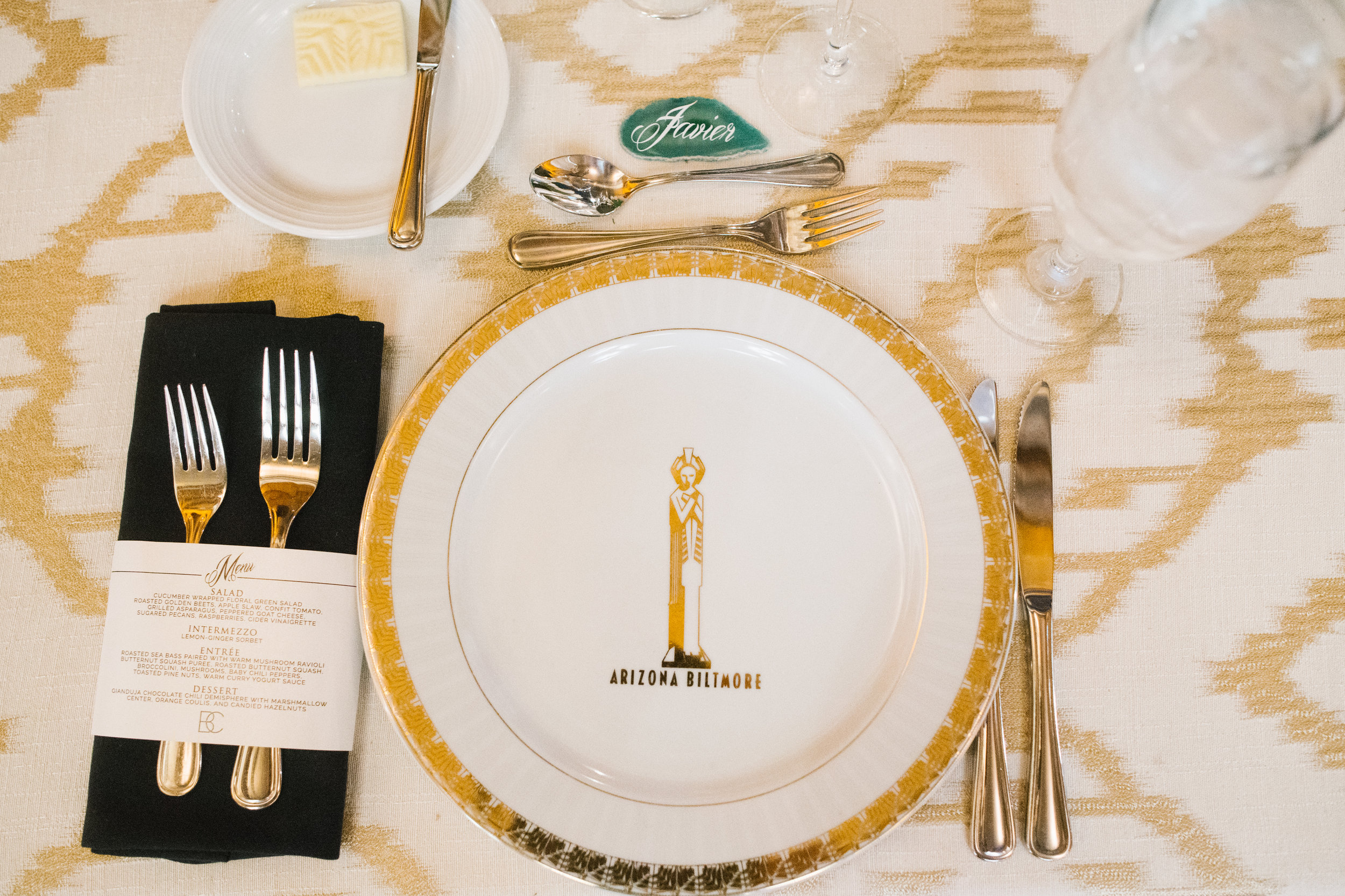 16 place setting reception dinner table reception dinner menu arizona biltmore gold charger agate slice place card assigned seat gold table linen Life Design Events photos by Keith and Melissa Photography.jpg