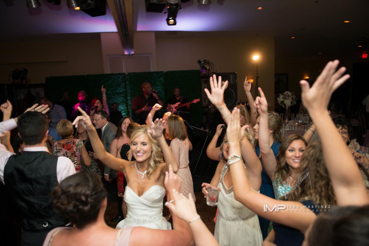 14 bride and groom first dance bride and groom on the dance floor indoor wedding reception indoor wedding dance floor Ivan Martinez Photography Life design Events .JPG.JPG