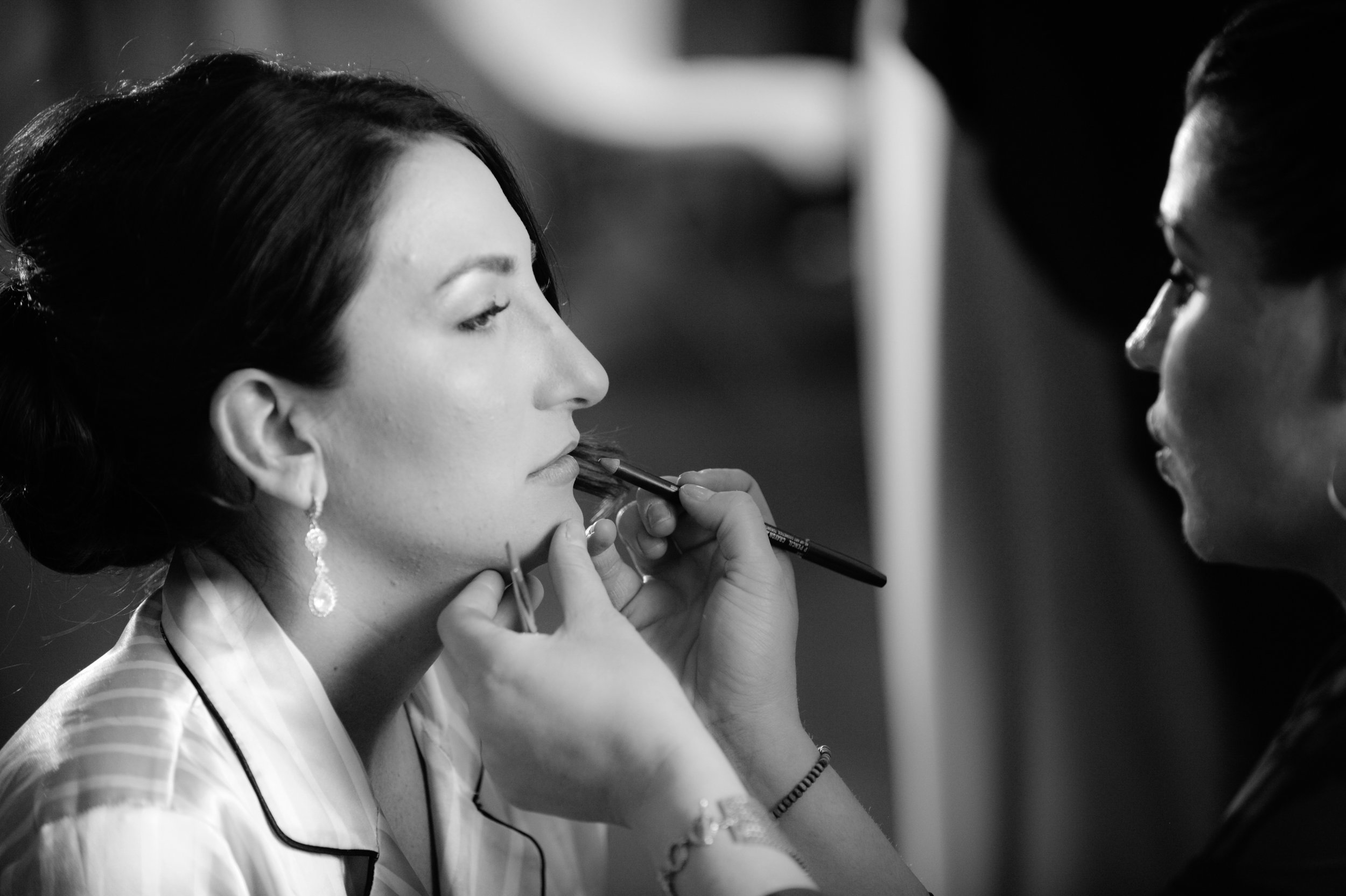 4 getting ready photos bride getting ready bridal makeup photos Mod Wed Photography Life Design Events.jpg