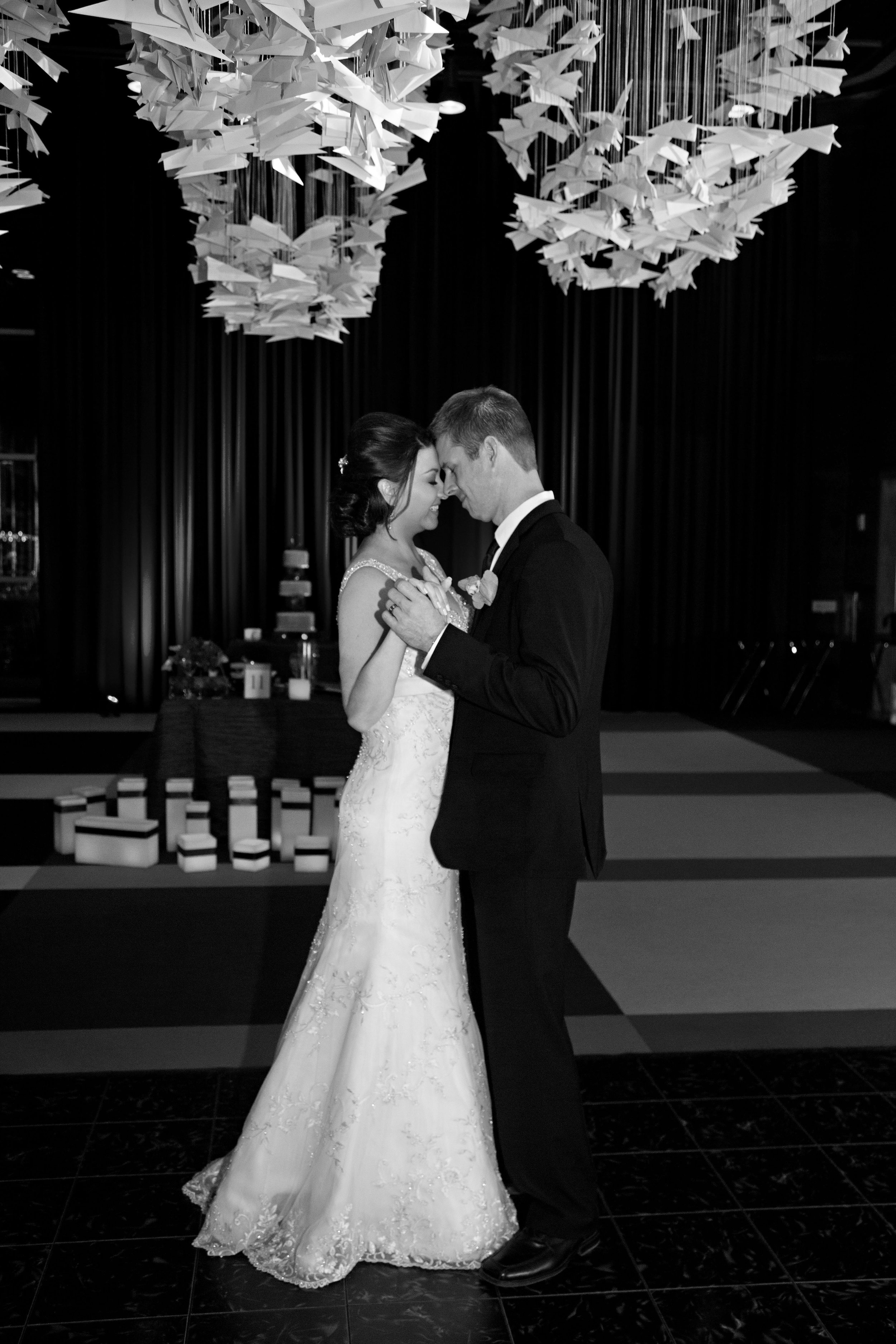 21 bride and groom first dance unique paper bird decor O Grace Photography Life Design Events.jpg