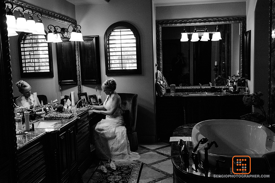 8 getting ready pictures bride getting ready pictures candid getting ready photos Sergio Photography Life Design events.jpg
