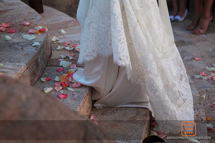 20 petals down the aisle colorful petals down the aisle Sergio Photography Life Design Events.jpg