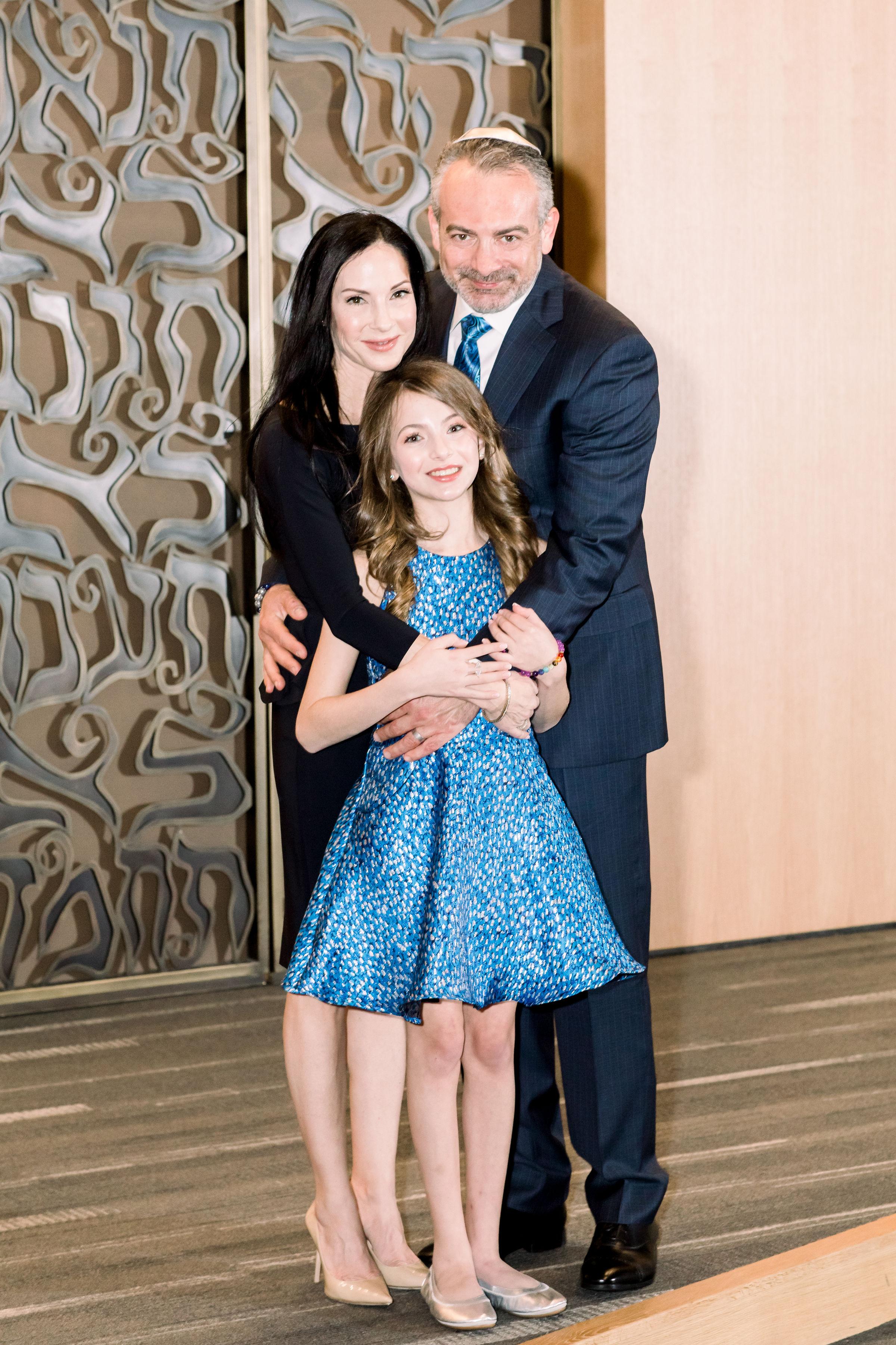 2 bat mitzvah family mom dad bat mitzvah girl temple Life Design Events photos by Stephanie Heymann Photography.jpg