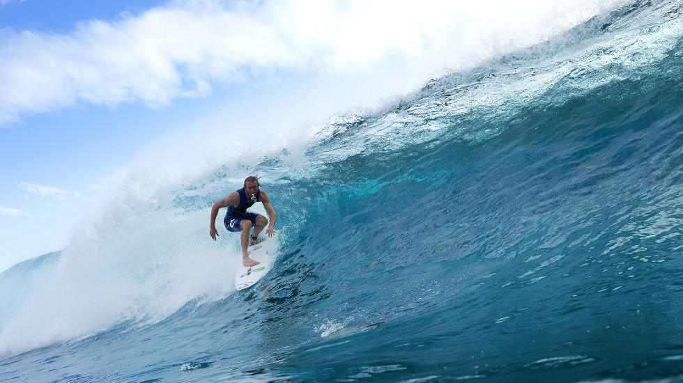 Owen Wright testing the surf at Teahupo'o. Photo c/o WSL and Kelly Cestari