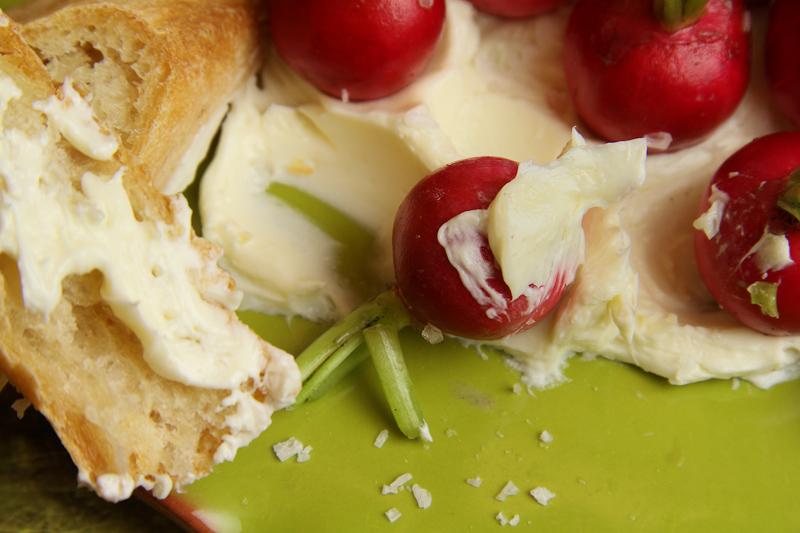radishes-on-plate-3
