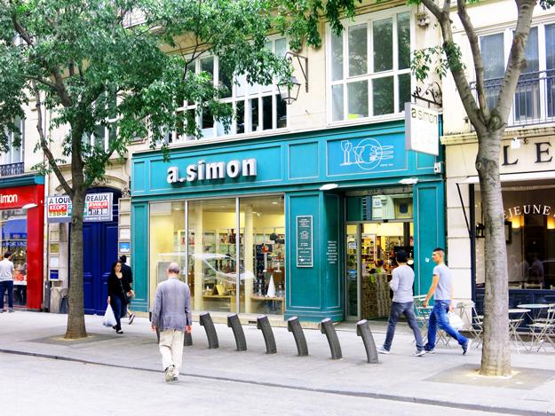 A Simon, Paris
